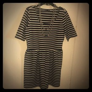 GAP Dress Navy and White Striped Short Sleeve